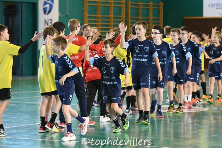 2018-10-27 Tournoi U13G Villers Hb Club VS Grand Nancy Métropole Handball 14-16 (1)