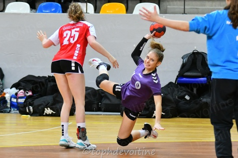 2020-01-04 18F Tournoi U18 Europe Cup Handball HVC VS Pagny 20-18 (3)